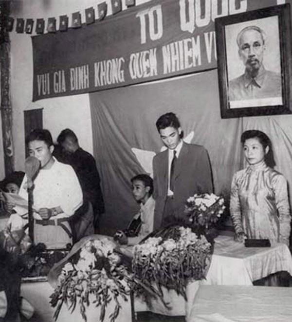 Đám cưới thời bao cấp ở Việt Nam diễn ra như thế nào? - Ảnh 1.