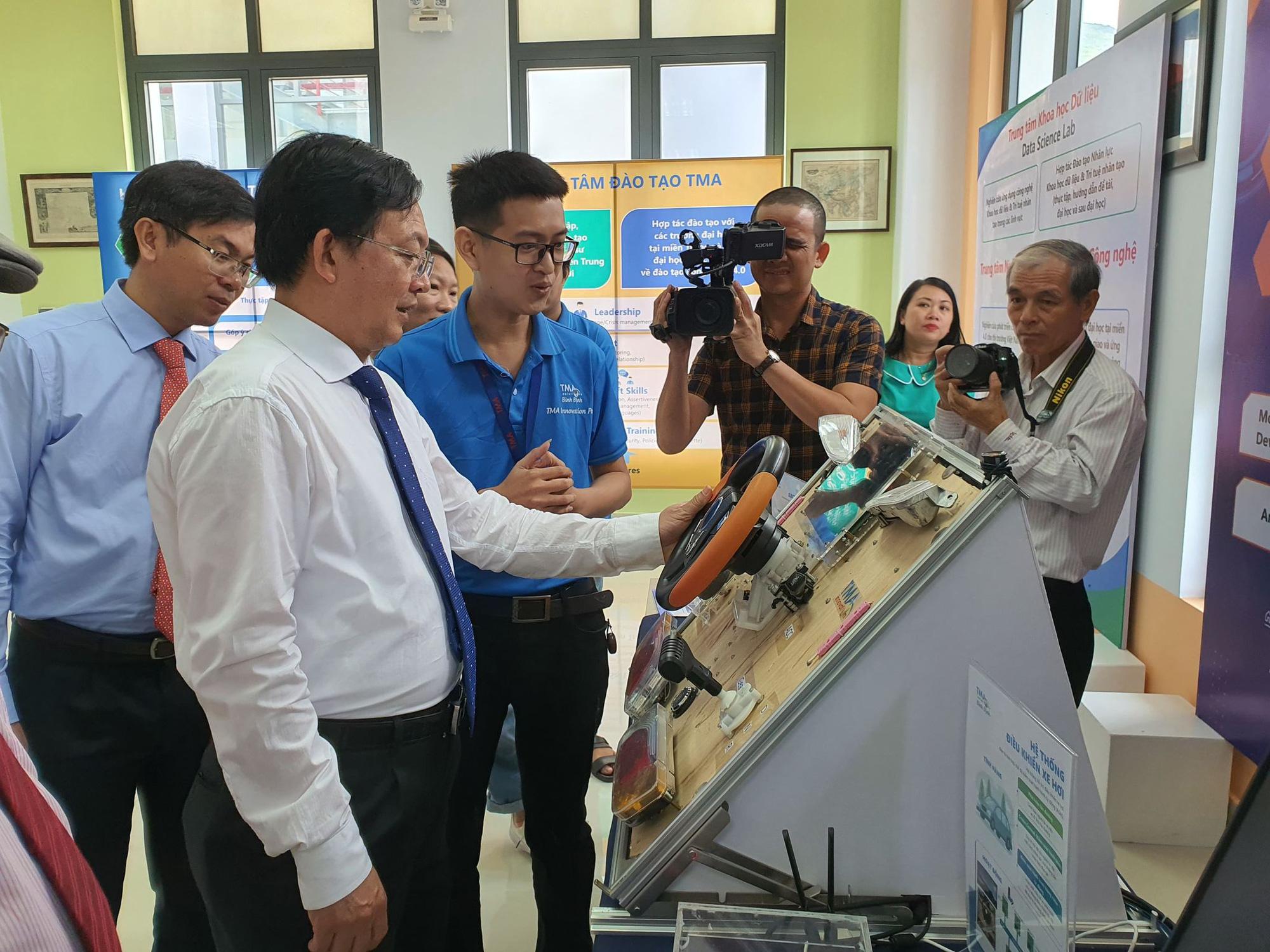 Khát vọng đưa Bình Định trở thành tỉnh phát triển thuộc nhóm dẫn đầu miền Trung - Ảnh 1.