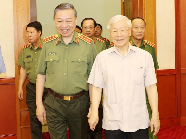 Bộ Chính trị đã cho ý kiến về phương án nhân sự và dự thảo văn kiện của 4 Đảng bộ - Ảnh 1.