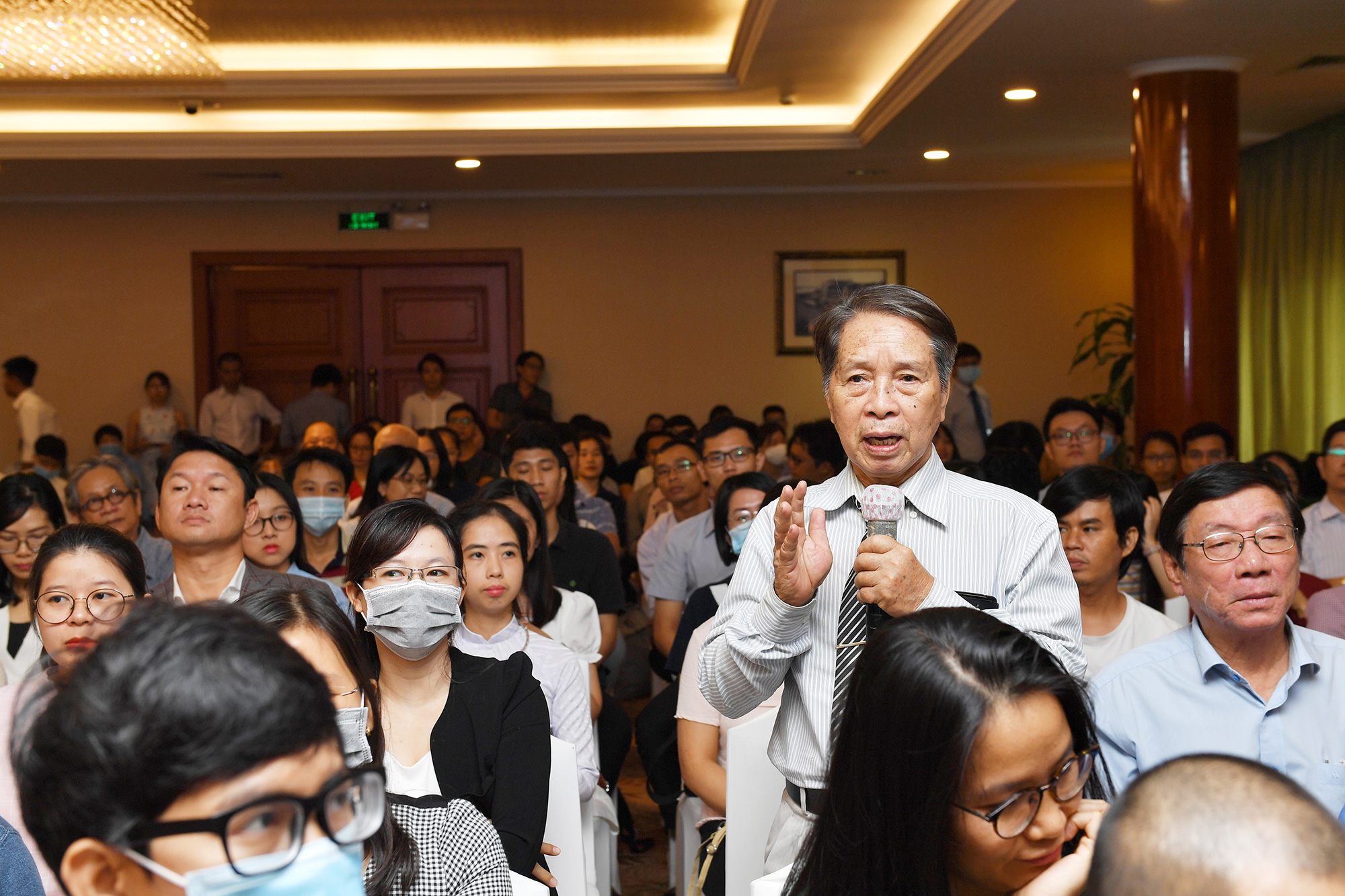 Nhà văn Trần Thùy Mai nhận giải Sách hay 2020 với bộ sách Từ Dụ Thái Hậu  - Ảnh 4.
