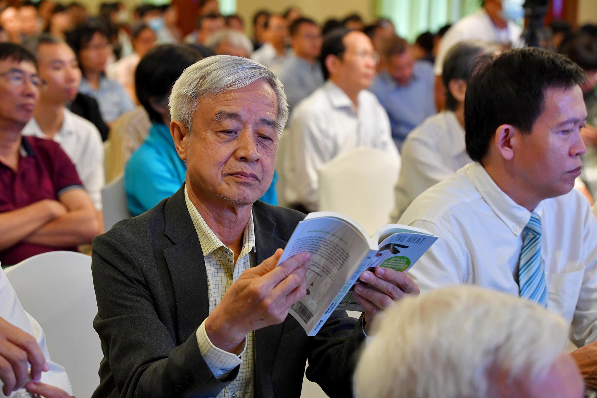 Nhà văn Trần Thùy Mai nhận giải Sách hay 2020 với bộ sách Từ Dụ Thái Hậu  - Ảnh 2.