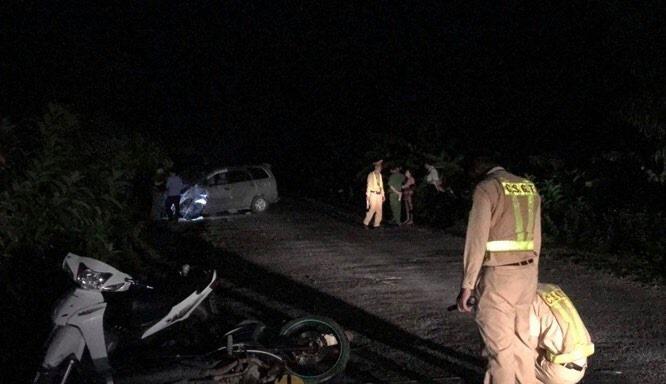 Hải Dương: Ô tô mất lái húc 4 mô tô khiến 9 người bị thương  - Ảnh 2.