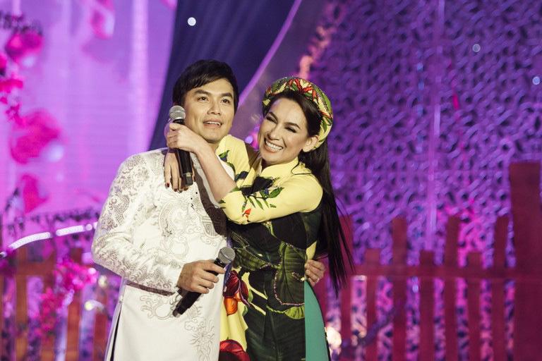 """Mạnh Quỳnh bên vợ xinh đẹp bí ẩn """"không bao giờ ghen"""" với Phi Nhung giờ ra sao? - Ảnh 5."""