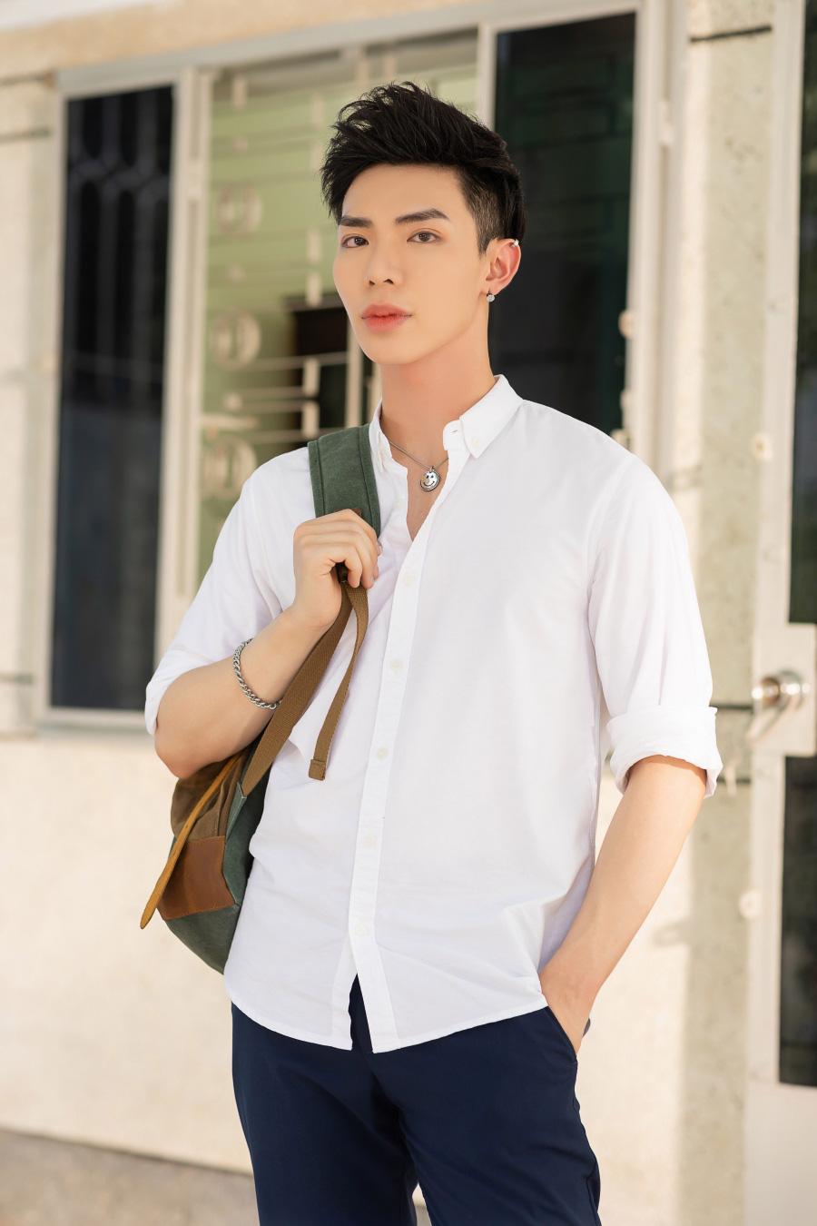 Erik tái hợp với hit-maker Khắc Hưng trong MV Bao giờ đủ lớn - Ảnh 2.