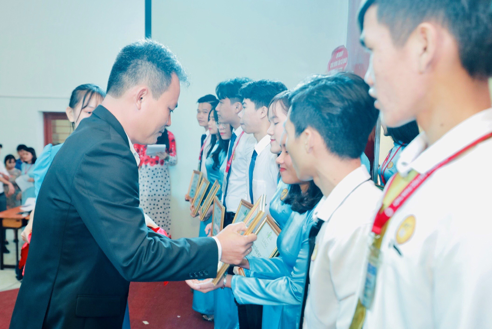 Novaland trao 100 suất học bổng cho sinh viên Trường ĐH Phan Thiết - Ảnh 1.