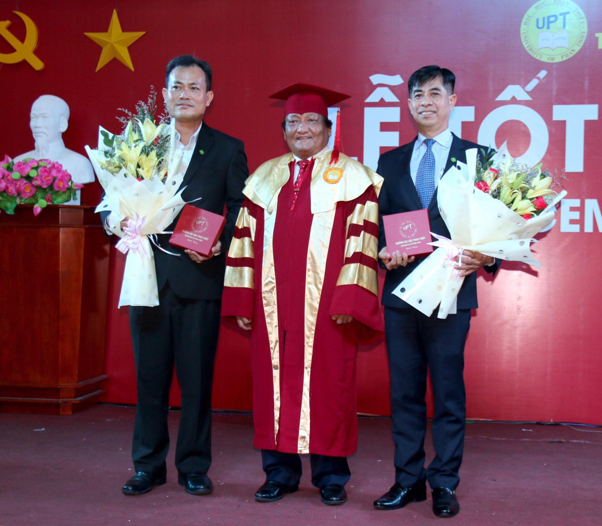 Novaland trao 100 suất học bổng cho sinh viên Trường ĐH Phan Thiết - Ảnh 3.
