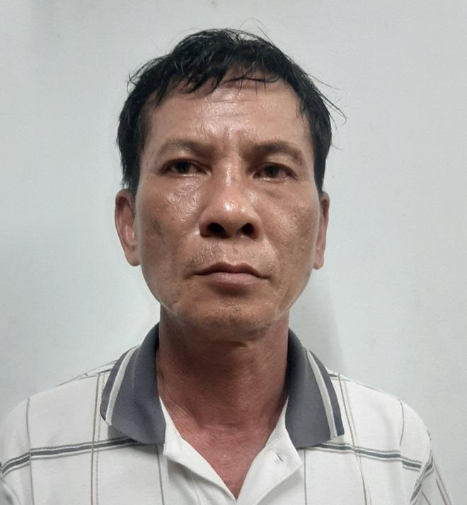 Tài xế kể việc chở tên cướp vào trụ sở công an - Ảnh 1.