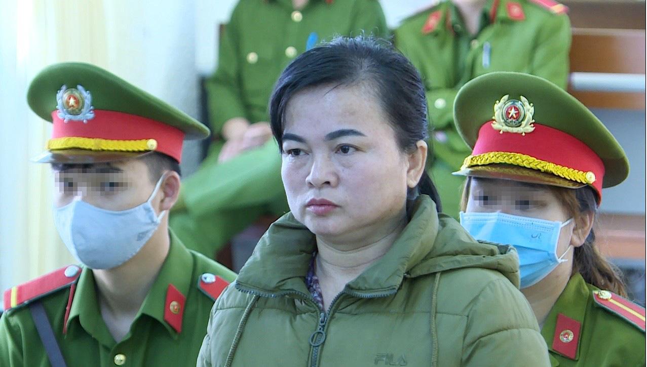 Tuyên án tù đối với 2 mẹ con bắn chết chồng, cha rúng động ở Lâm Đồng - Ảnh 1.