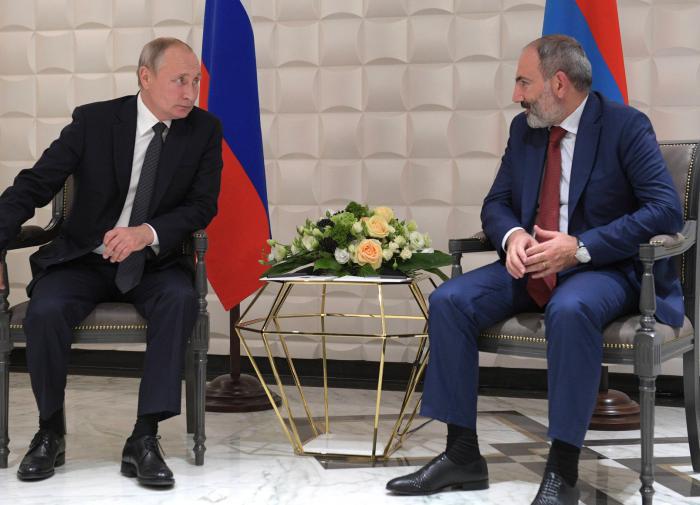 Chiến sự Armenia-Azerbaijan: Ai đứng sau, nguồn cơn từ đâu, Putin nói gì? - Ảnh 2.