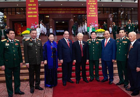 Từ nhấn mạnh của Tổng Bí thư, Chủ tịch nước và việc giữ vững bản chất chính trị Quân đội - Ảnh 2.