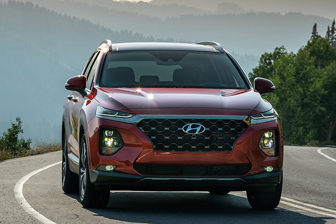 Hyundai SantaFe được khuyến mại tiền mặt khủng, giá hiện tại bao nhiêu? - Ảnh 1.