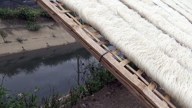 Con số báo động: Hà Nội có 139 làng nghề ô nhiễm nghiêm trọng, nước thải được xử lý chỉ 5,2%  - Ảnh 2.