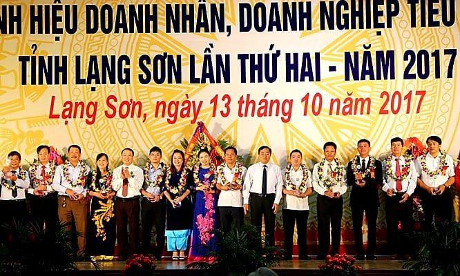 Lạng Sơn: 25 doanh nghiệp và 15 doanh nhân được tôn vinh nhân ngày Doanh nhân Việt Nam - Ảnh 1.