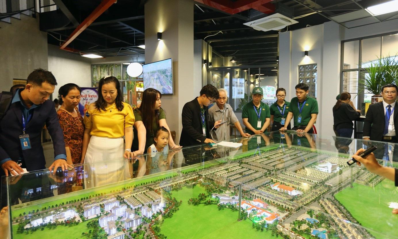 Chính thức khánh thành Khu kinh tế đêm đầu tiên tại thành phố Đồng Xoài - Ảnh 3.