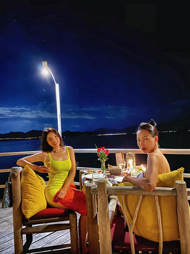Kỳ Duyên tung ảnh bikini gợi cảm khi du lịch cùng Minh Triệu - Ảnh 1.