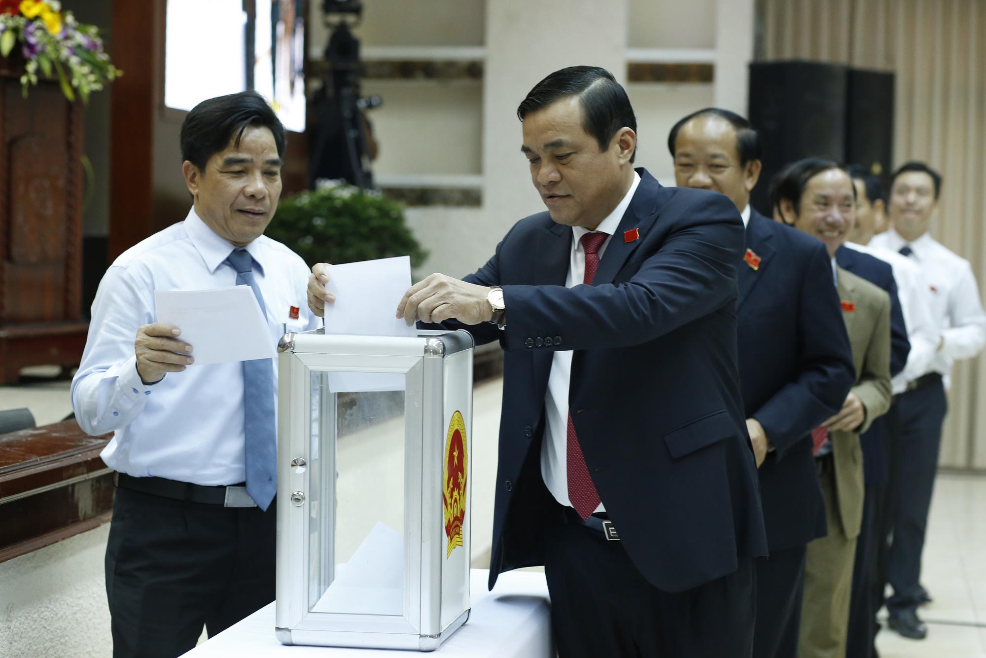 Quảng Nam: Bí thư và các Phó Bí thư tỉnh khóa XXI tiếp tục ứng cử khóa XXII - Ảnh 2.