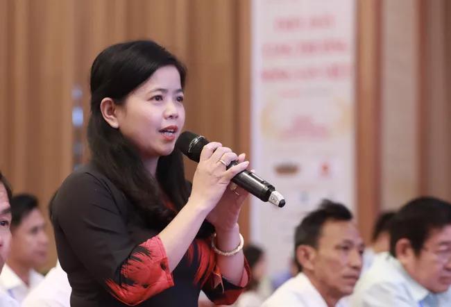 Thủ tướng Nguyễn Xuân Phúc: Bỏ tù đại lý, cá nhân sản xuất phân bón giả - Ảnh 1.