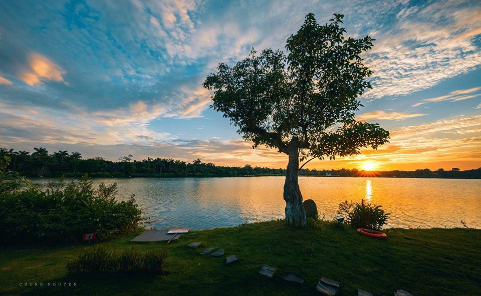 Ngắm bình minh đẹp như tranh vẽ tại khu đô thị xanh Ecopark - Ảnh 1.