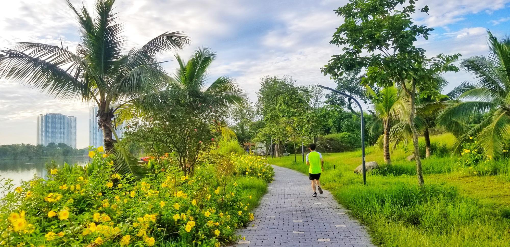 Ngắm bình minh đẹp như tranh vẽ tại khu đô thị xanh Ecopark - Ảnh 4.