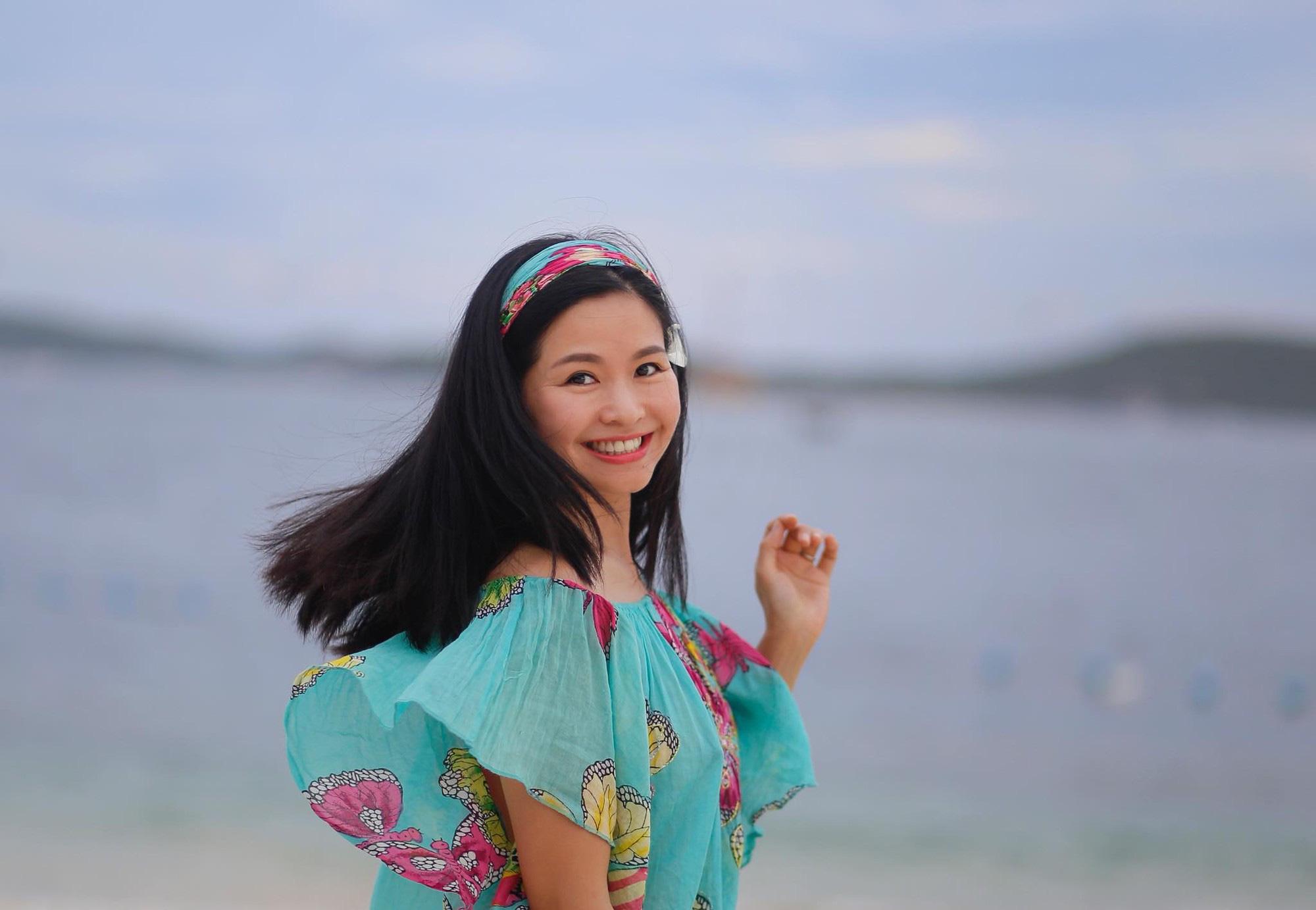Nhan sắc xinh đẹp, không tuổi của vợ ông trùm phim truyền hình Đỗ Thanh Hải - Ảnh 2.