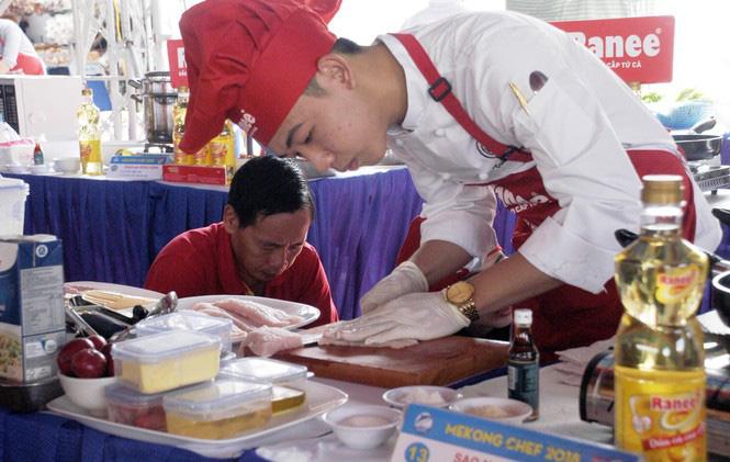 Đồng Tháp đưa cá tra ra Thủ đô Hà Nội tìm đường tiêu thụ - Ảnh 1.