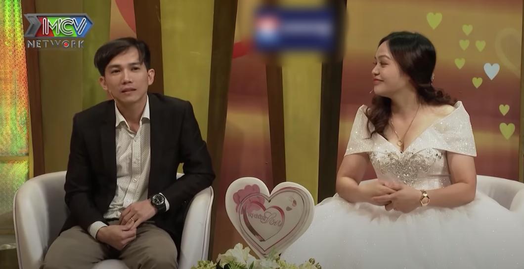 """Vợ chồng son: Yêu xa 9 năm, gặp nhau 3 lần, nữ chính """"dụ dỗ"""" chồng từ Hàn Quốc về cưới mình nhờ chiêu đấm bóp  - Ảnh 3."""