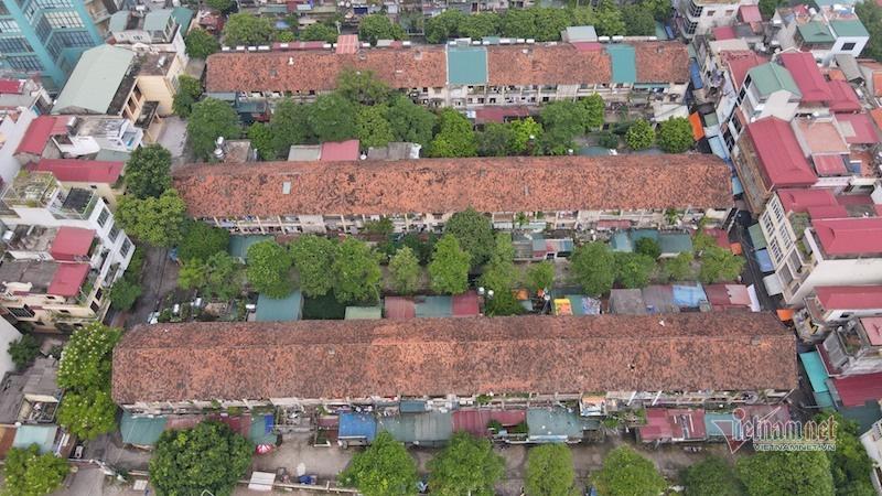 Nơm nớp sống trong khu tập thể gần 50 tuổi xập xệ, dột nát giữa Thủ đô - Ảnh 2.