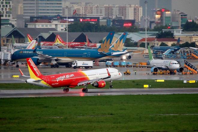 """Thứ trưởng Nguyễn Ngọc Đông: """"Việc mở lại đường bay quốc tế đã tham khảo ý kiến từ tất cả các Bộ, ngành"""" - Ảnh 1."""