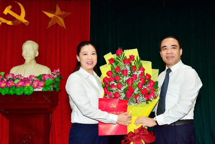 Nữ Bí thư Thành ủy 46 tuổi lần thứ 2 giữ chức Phó Chủ tịch tỉnh Tuyên Quang - Ảnh 2.