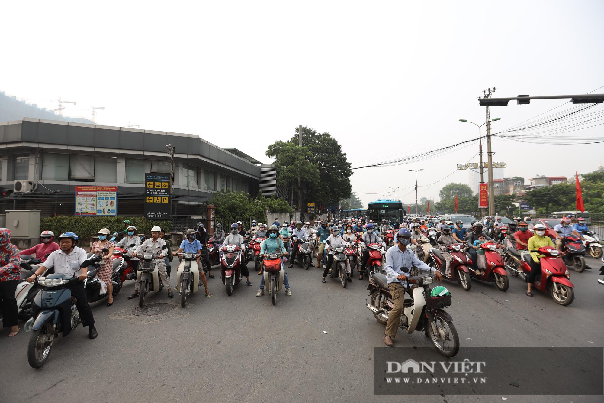 Cập nhật tình hình giao thông tại các cửa ngõ vào nội thành Hà Nội sau nghỉ lễ 2/9 - Ảnh 9.