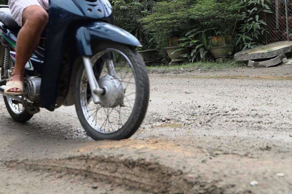 """Bình Định: Đoàn xe """"siêu tải"""" cày xéo, 16km đường ở huyện miền núi """"nát như tương"""" - Ảnh 9."""