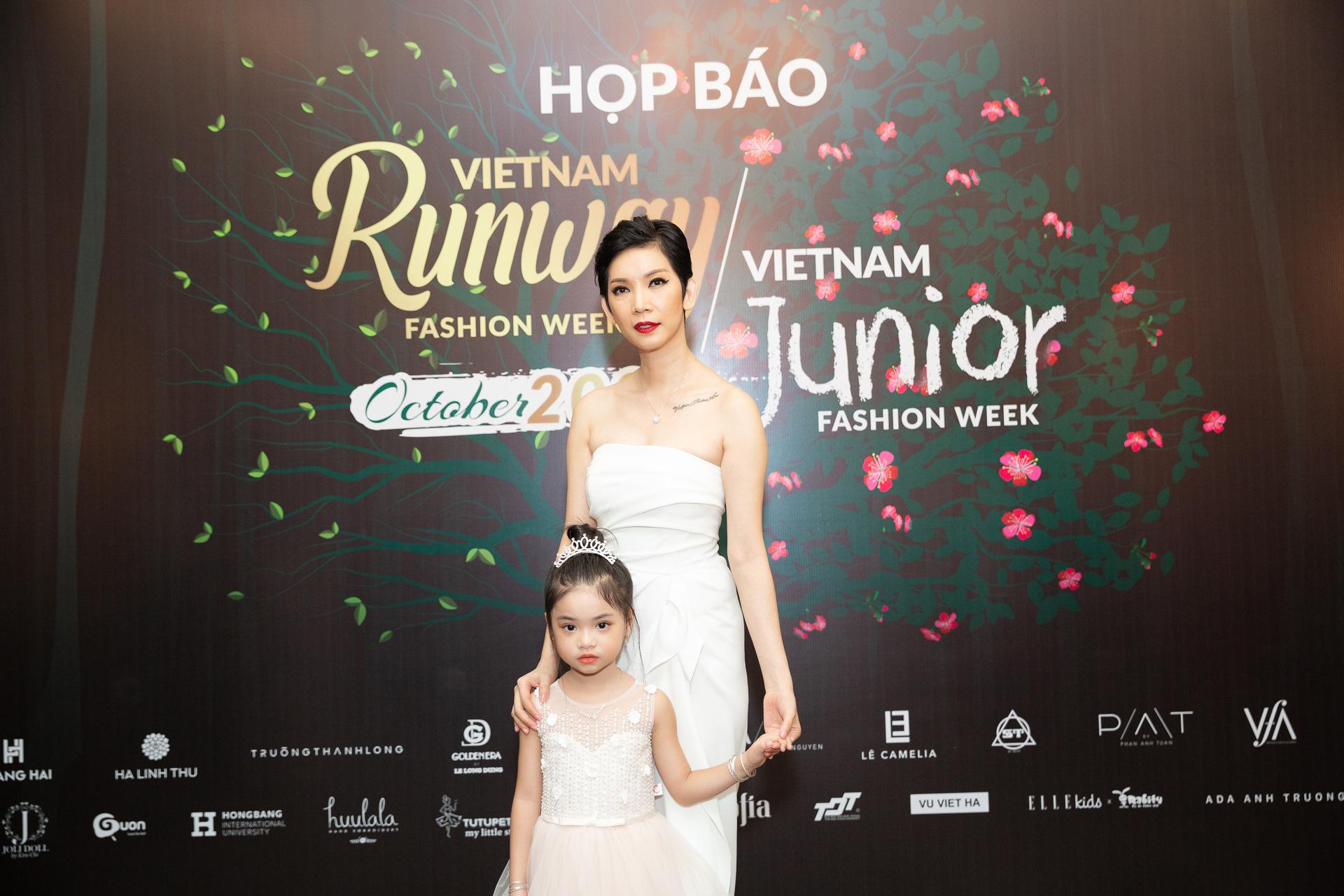Hoàng Hải, Hà Linh Thư mở màn show diễn thời trang Vietnam Runway Fashion Week  - Ảnh 5.