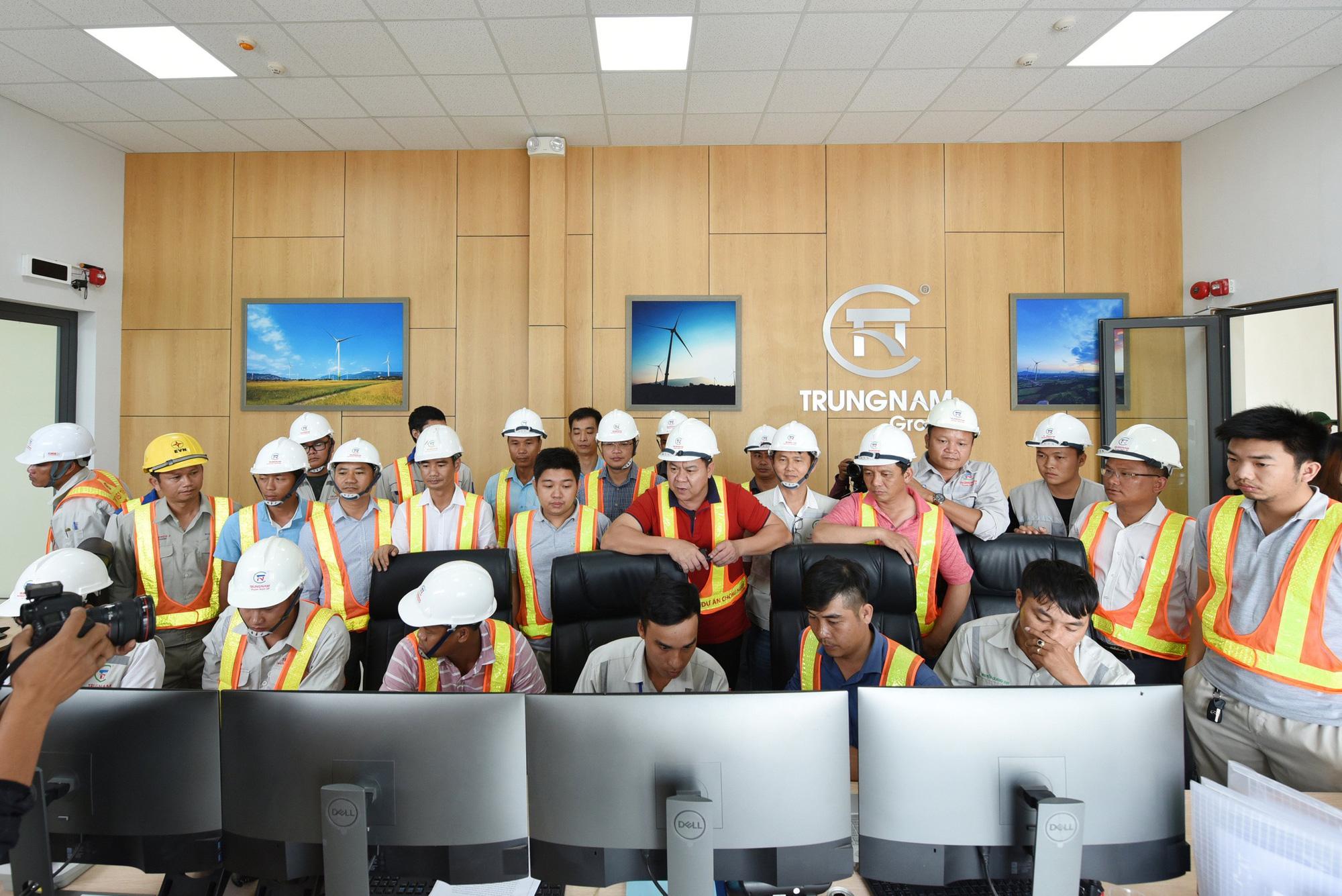 Trungnam Group tổ chức lễ đóng điện trạm biến áp và đường dây 220/500kv - Ảnh 1.