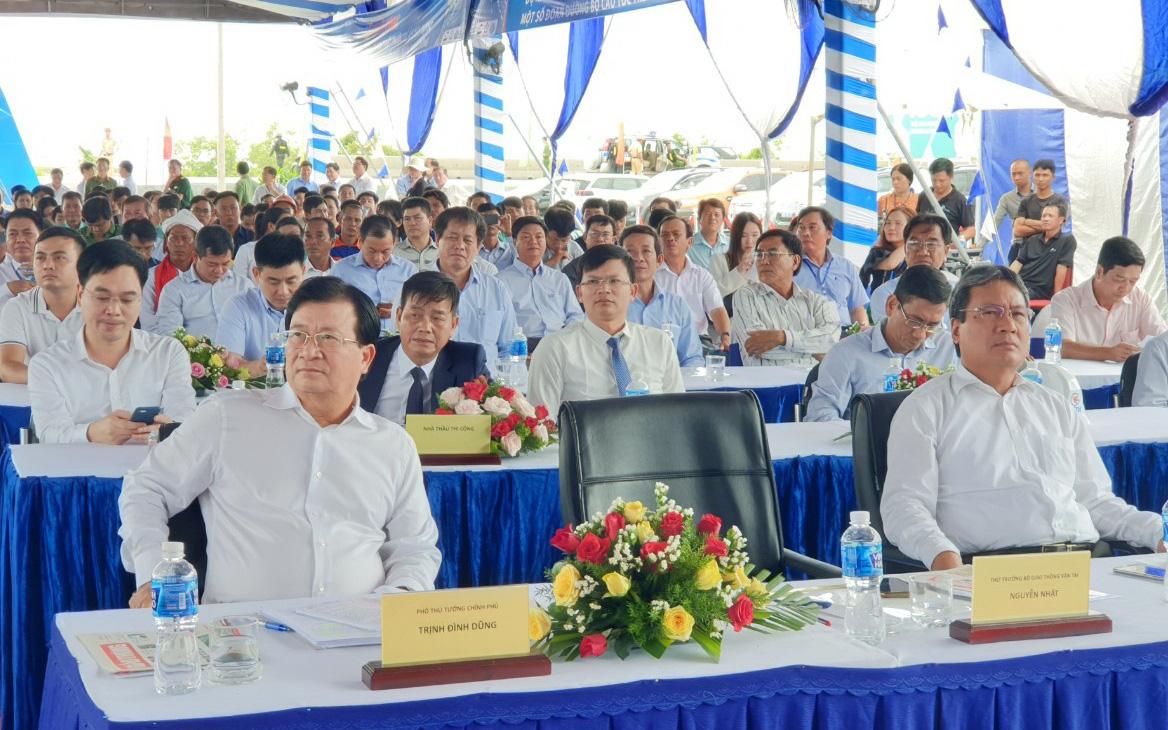 Phó Thủ tướng Trịnh Đình Dũng: Đến năm 2030, Việt Nam phải có 5.000km đường cao tốc