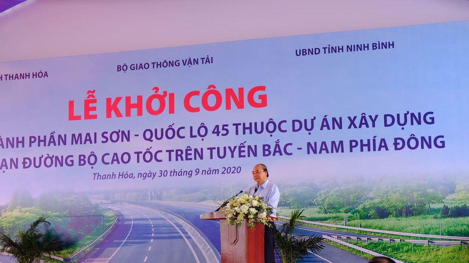 Thủ tướng Nguyễn Xuân Phúc dự lễ khởi đường cao tốc Bắc Nam đoạn qua Thanh Hóa - Ảnh 1.