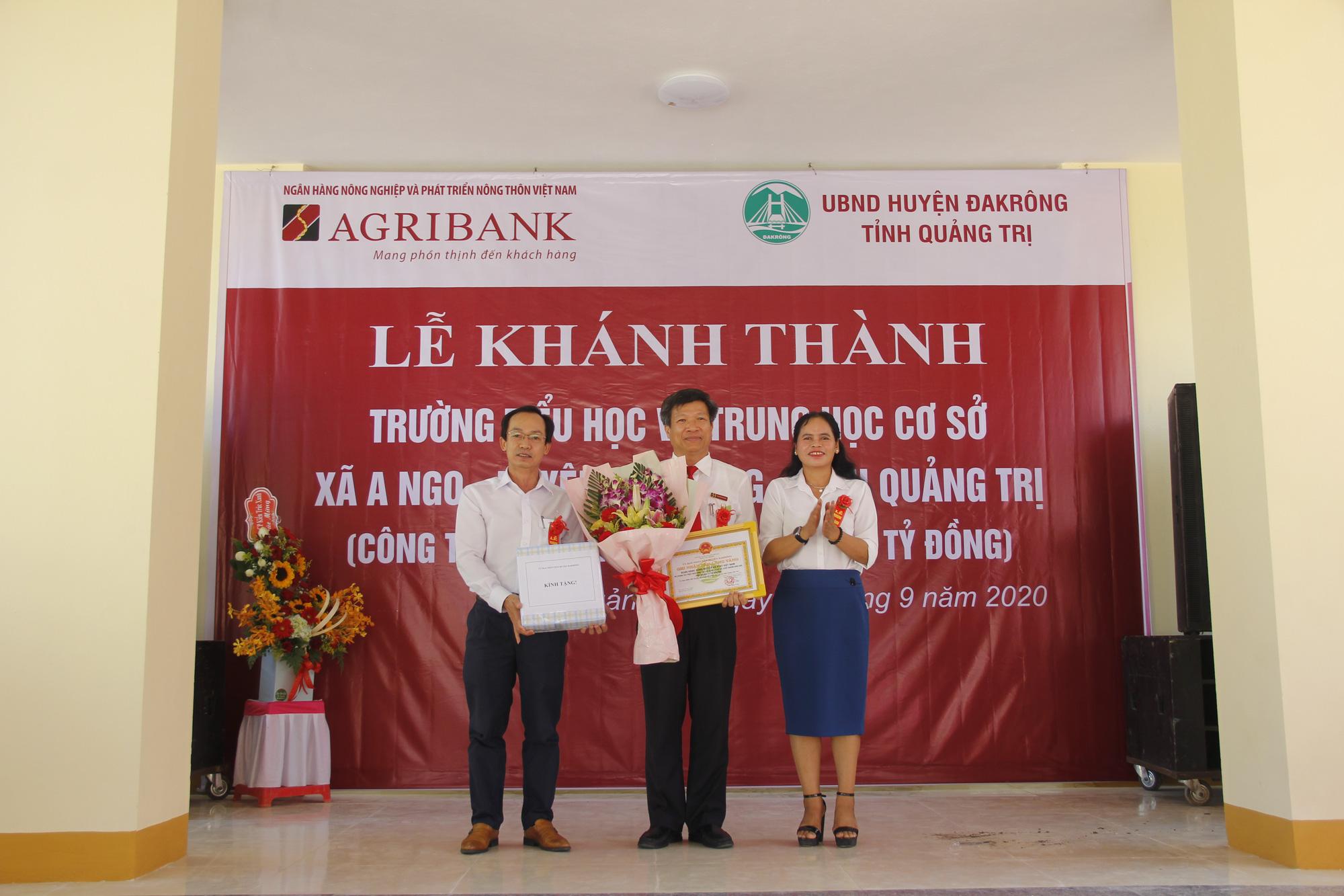 Ngân hàng Agribank xây trường học 5 tỷ đồng ở Quảng Trị - Ảnh 2.