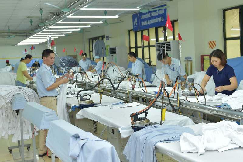 Doanh nghiệp dệt may vẫn trống đơn hàng cuối năm - Ảnh 1.