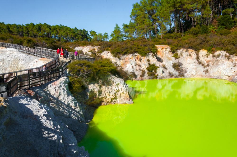 Độc đáo loạt sông hồ có màu cực lạ - Ảnh 11.
