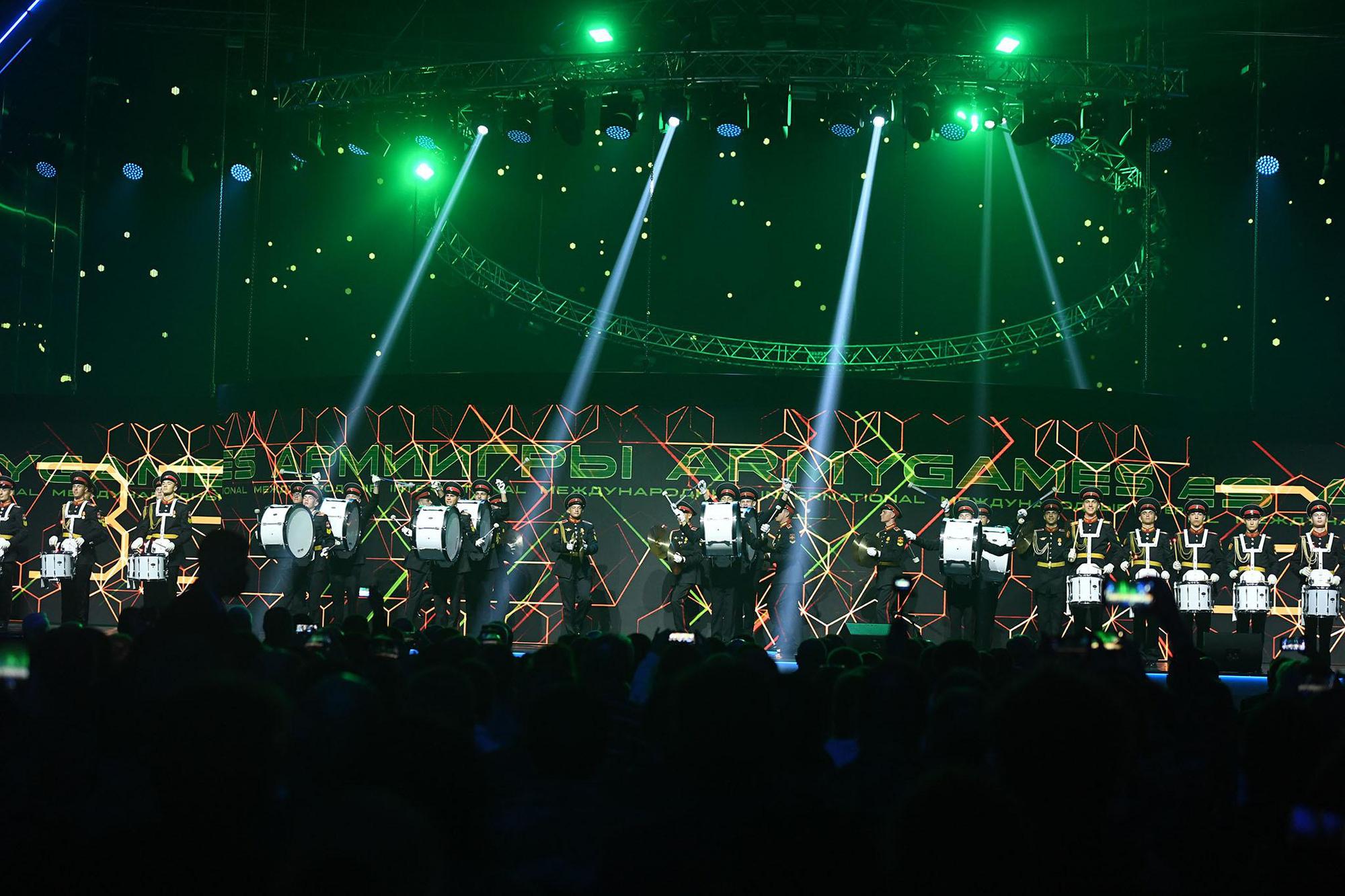 Những hình ảnh ấn tượng, pháo hoa rực rỡ tại lễ bế mạc Army Games 2020 - Ảnh 8.