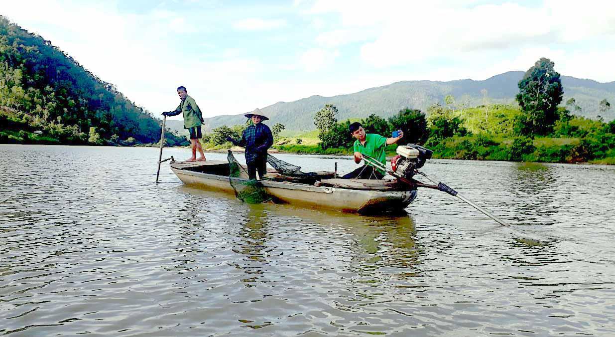 """Vùng đất nông dân buông lưới, đặt lờ """"rình"""" bắt những con cá quý hiếm mà thiên hạ tôn lên hàng cá đặc sản - Ảnh 3."""