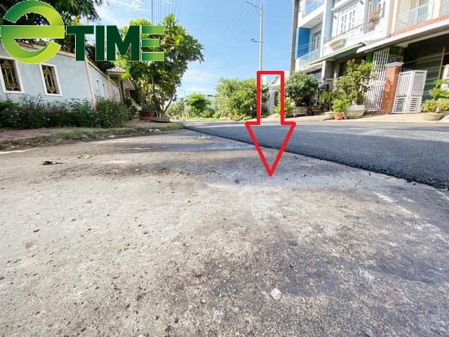 Quảng Ngãi: Tuyến đường được thảm nhựa chồng bê tông đi qua nhà một lãnh đạo huyện  - Ảnh 2.