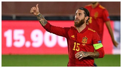 Ramos chạm cột mốc khủng.