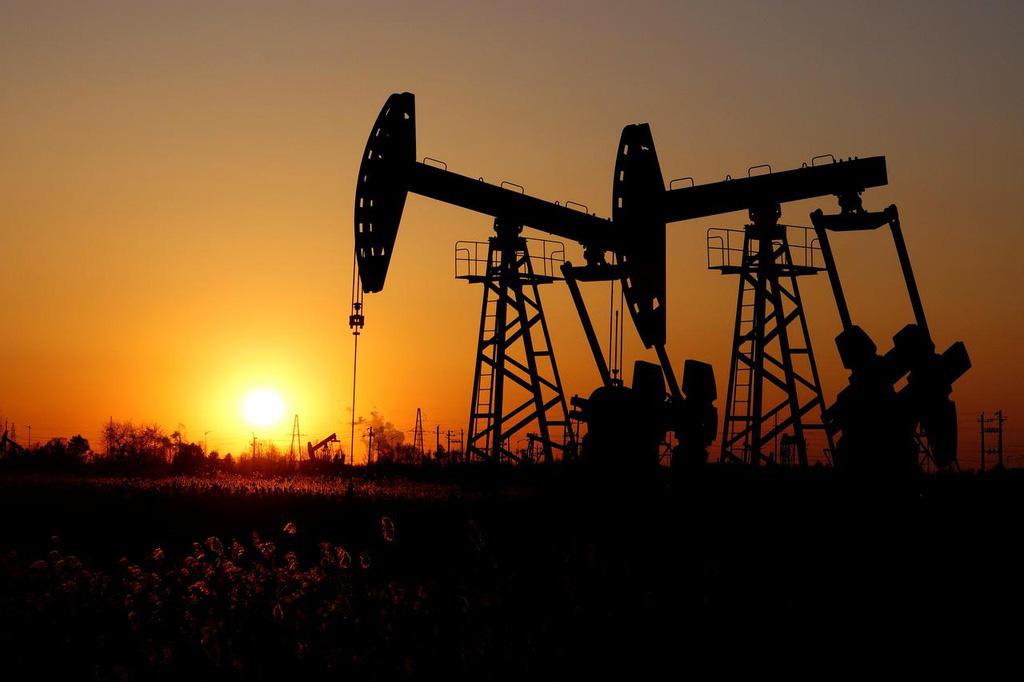 Giá dầu sẽ lại sụt giảm mạnh? - Ảnh 1.