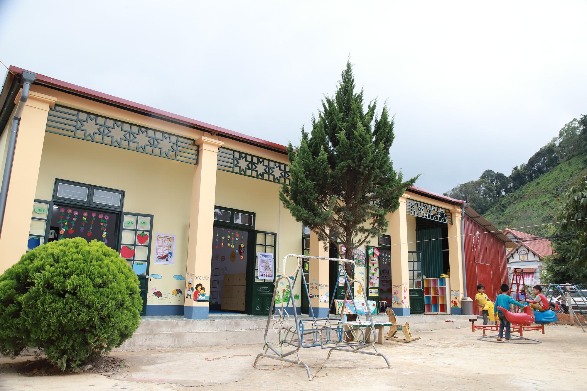 Gần trăm trẻ mầm non vùng cao biên giới Sơn La có điểm trường mơ ước - Ảnh 1.