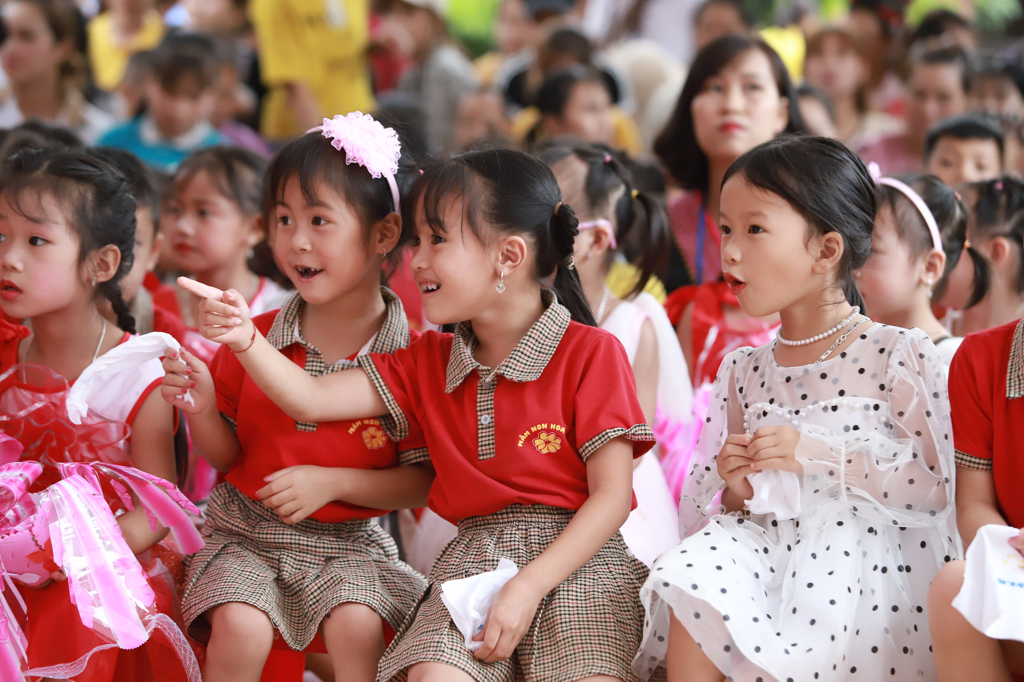 Gần trăm trẻ mầm non vùng cao biên giới Sơn La có điểm trường mơ ước - Ảnh 2.