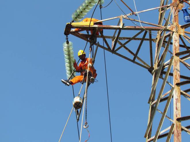 Thị trường điện cạnh tranh từ 2024: Có xoá được thế độc quyền của EVN? - Ảnh 1.
