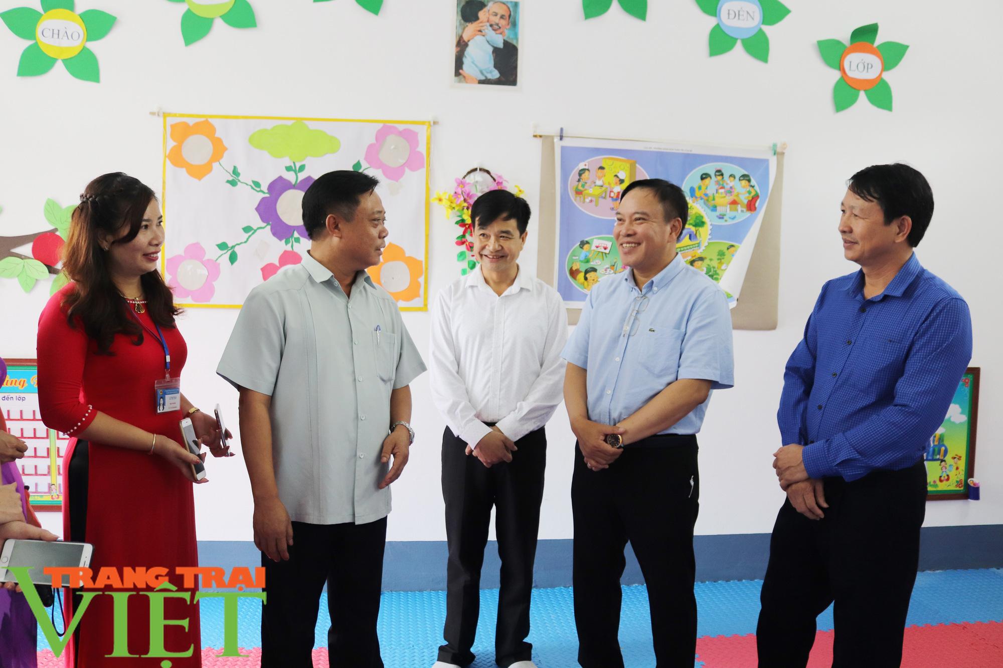 """Báo NTNN/Dân Việt - Quỹ Thiện Tâm khánh thành """"Điểm trường mơ ước"""" từ thiện tại Sơn La - Ảnh 13."""