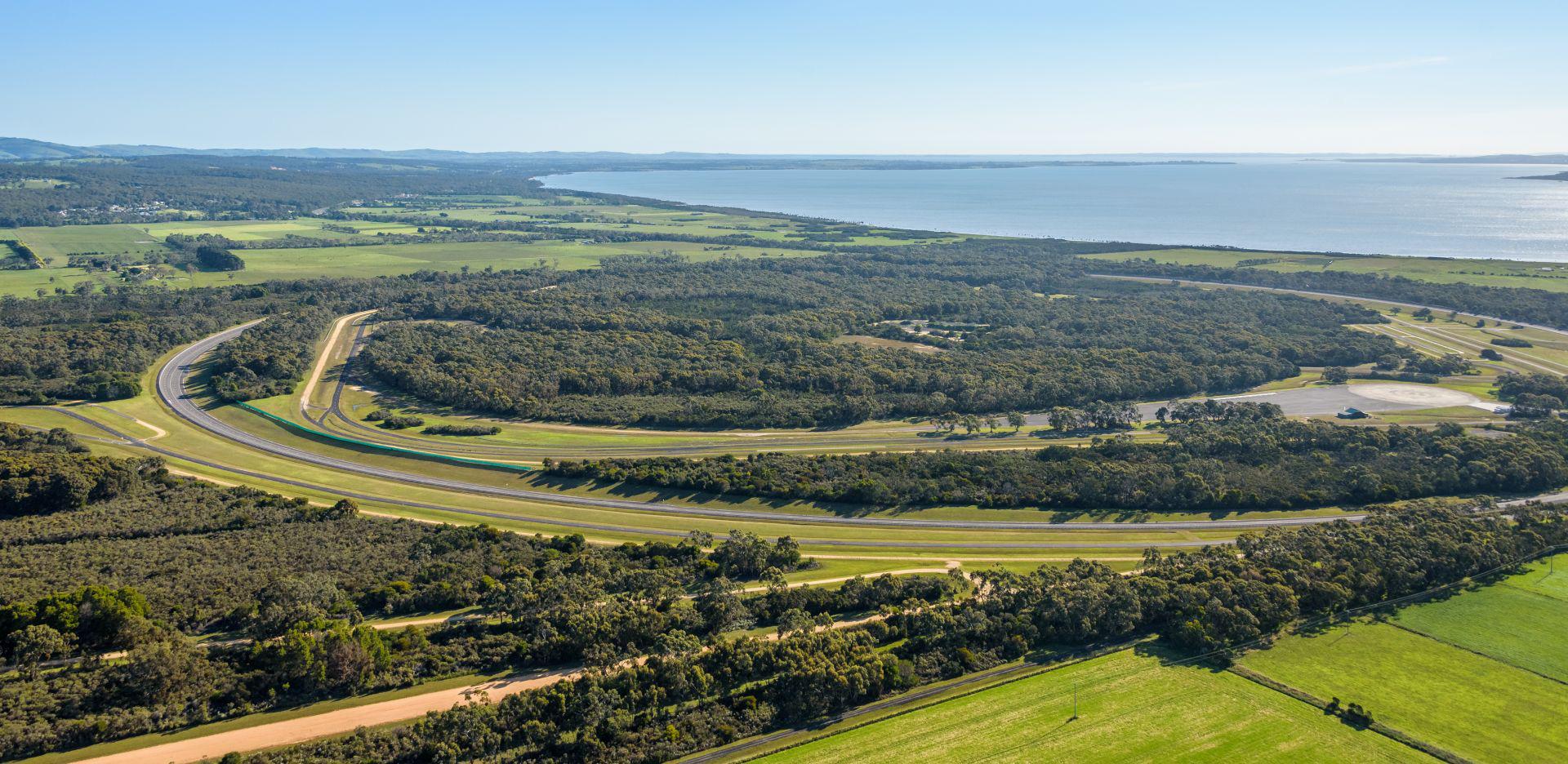 VinFast mua trung tâm thử nghiệm xe của GM tại Australia - Ảnh 2.