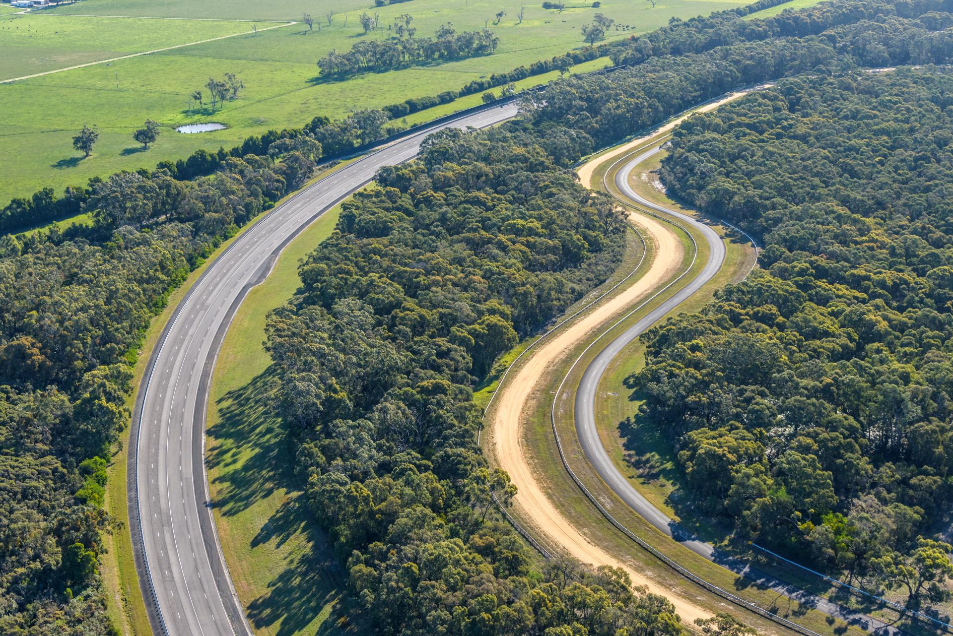 VinFast mua trung tâm thử nghiệm xe của GM tại Australia - Ảnh 3.