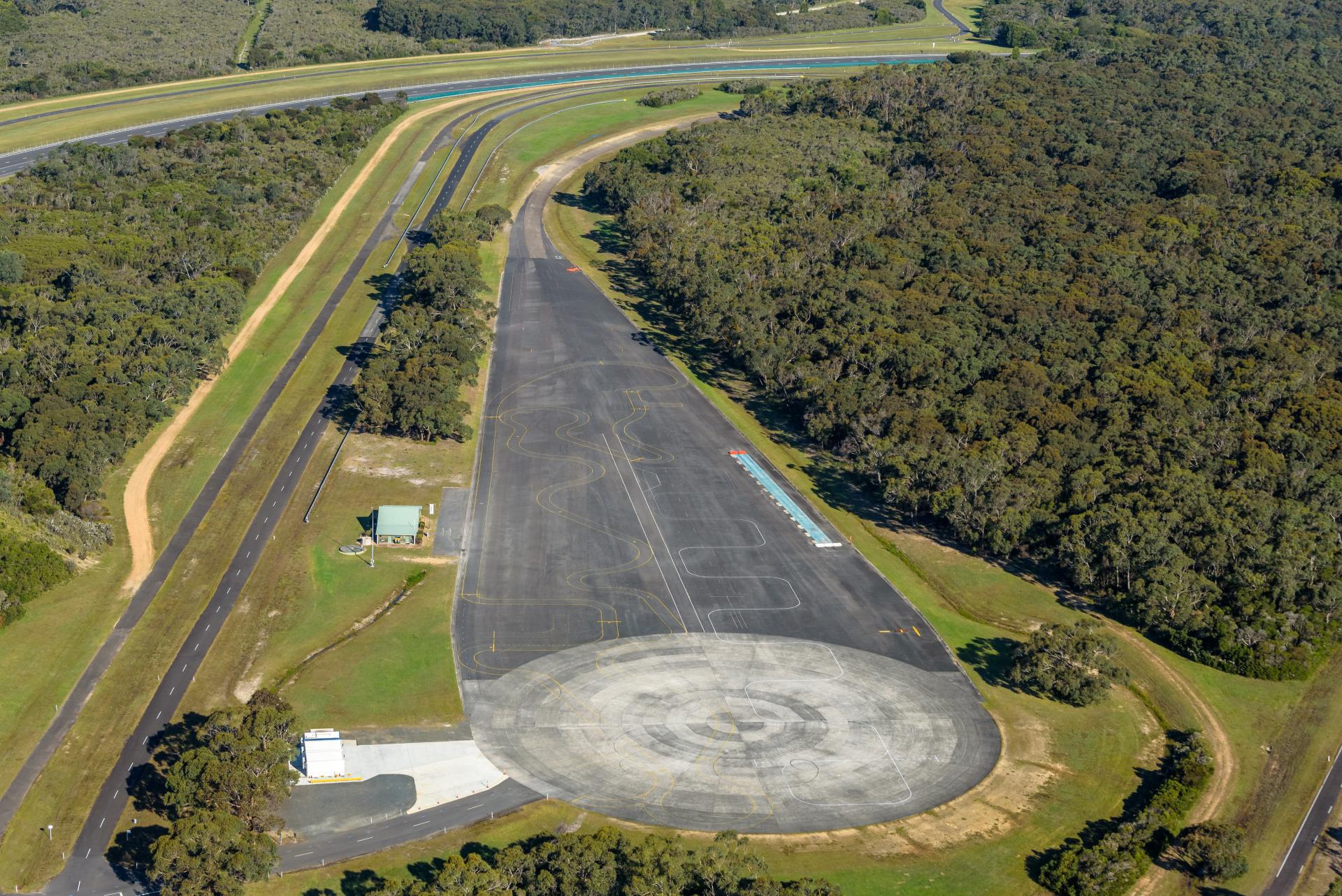 VinFast mua trung tâm thử nghiệm xe của GM tại Australia - Ảnh 5.